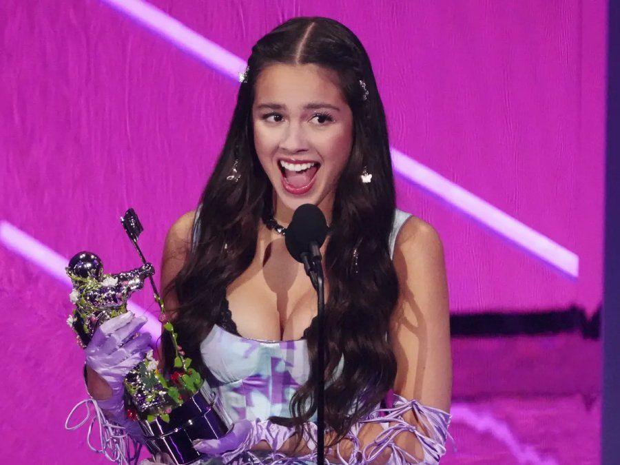 Olivia Rodrigo fue premiada en las categorías mejor nueva artista