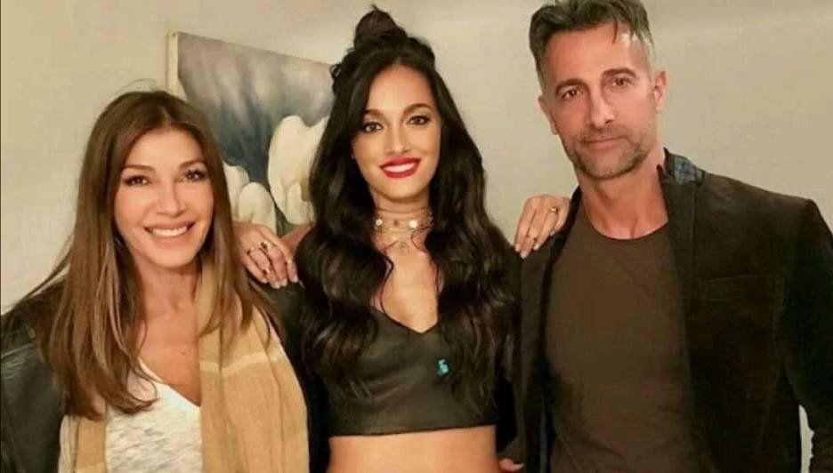 Oriana Sabatini junto a sus papás