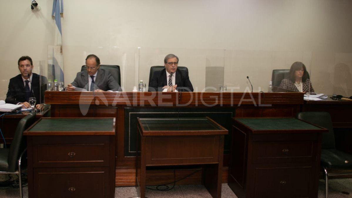 Los jueces del Tribunal Oral Federal: Luciano Lauría, José María Escobar Cello y María Ivón Vella