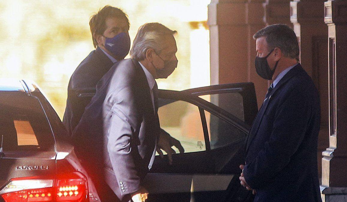 El presidente Alberto Fernández arriba a Casa Rosada. Tras una jornada plagada de versiones
