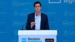 A diferencia del gabinete nacional, la totalidad de los ministros bonaerenses puso su renuncia a disposición del gobernador Axel Kicillof, como consecuencia de la dura derrota que sufrió el Frente de Todos en las elecciones primarias del pasado domingo.