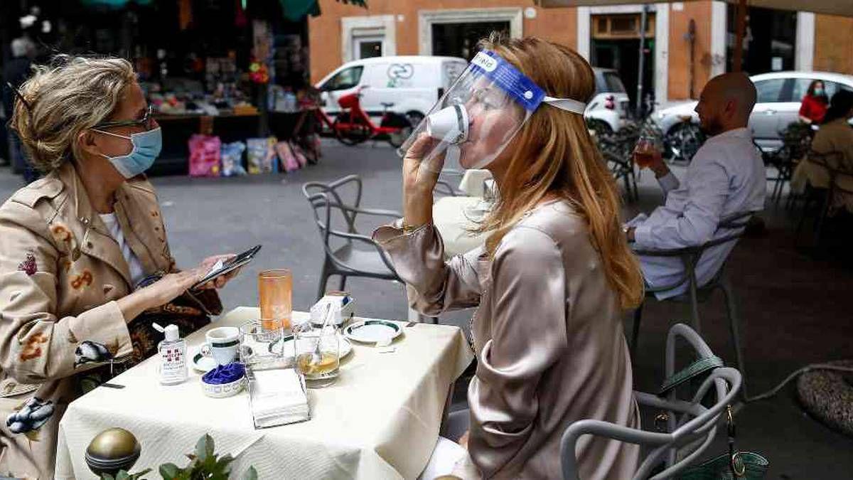 Italia vuelve a recibir turistas europeos y flexibiliza las medidas contra el coronavirus