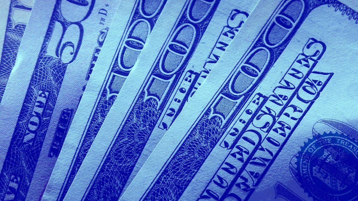 El denominado dólar informal o blue se negoció este miércoles con un incremento de 14 pesos.