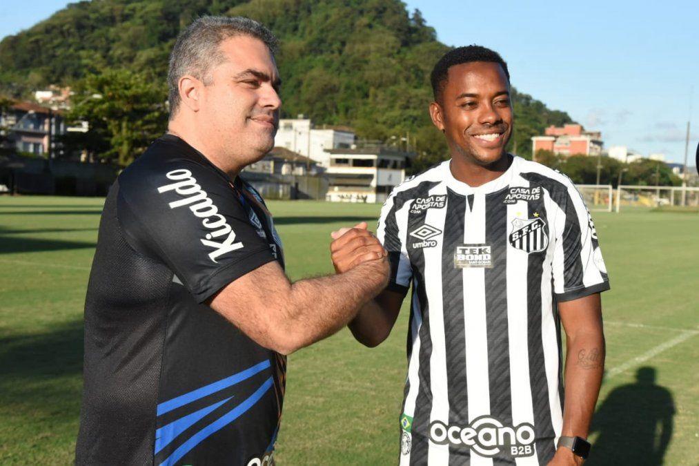 La contratación de Robinho le provocó un problema al Santos