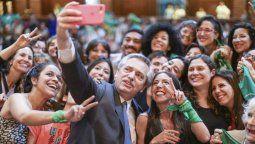La ley de aborto legal quedará promulgada en Argentina el jueves próximo, durante un acto que encabezará el presidente Alberto Fernández en el Museo del Bicentenario de la Casa Rosada.