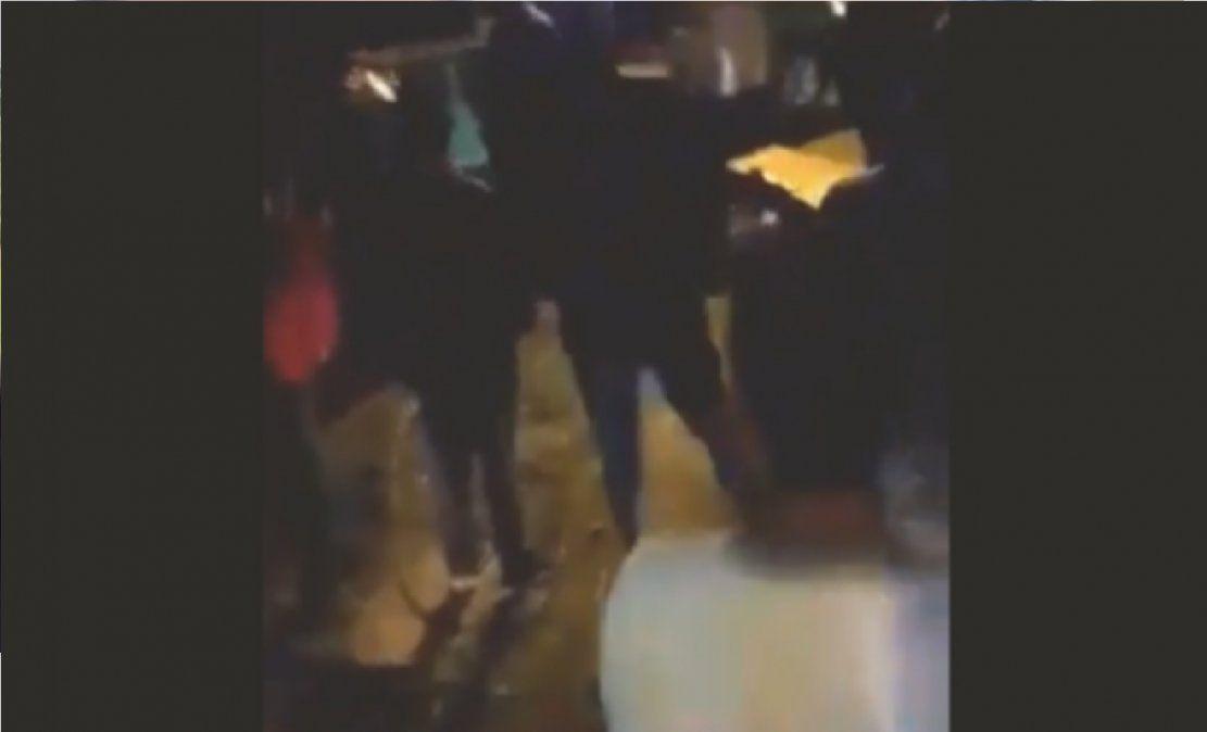 Video: vecinos intentaron linchar a un grupo de gitanos