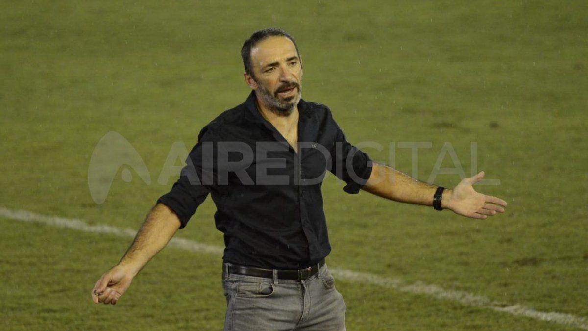 Ultimátum a Azconzábal: si no gana el lunes, no sigue como entrenador tatengue