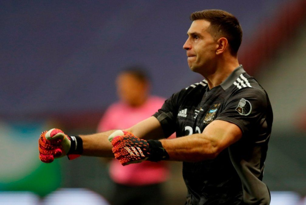 La Selección Argentina derrotó 3-2 a Colombia por penales y avanzó a la final de la Copa América