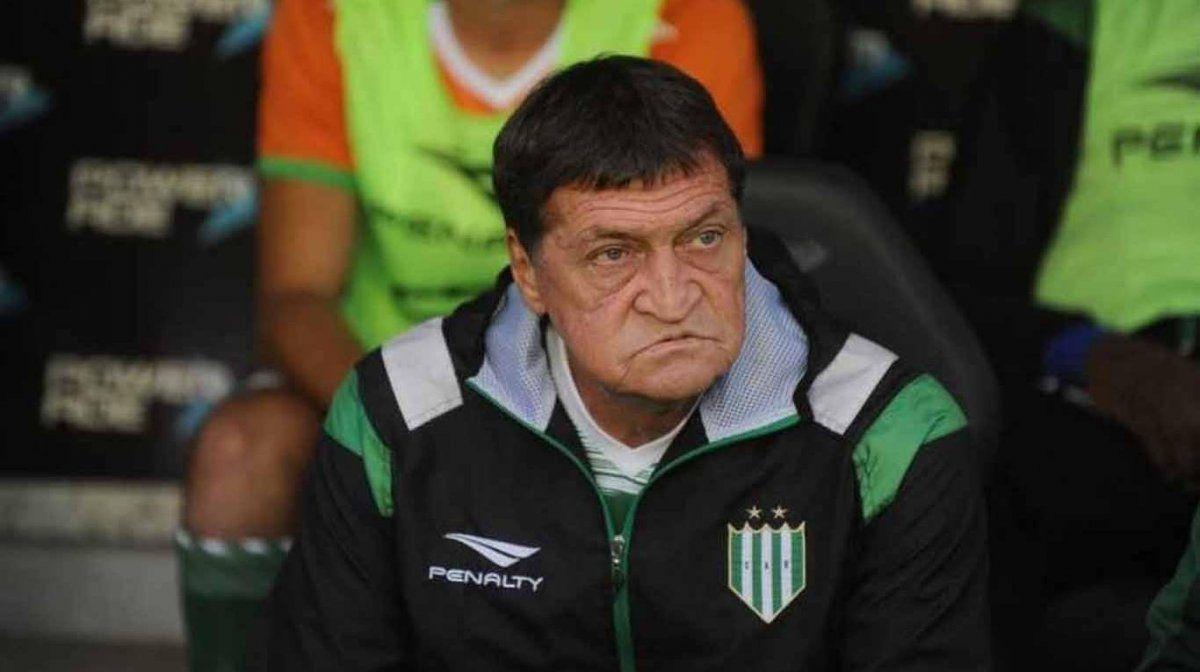 Julio Falcioni se encuentra muy cerca de Independiente.