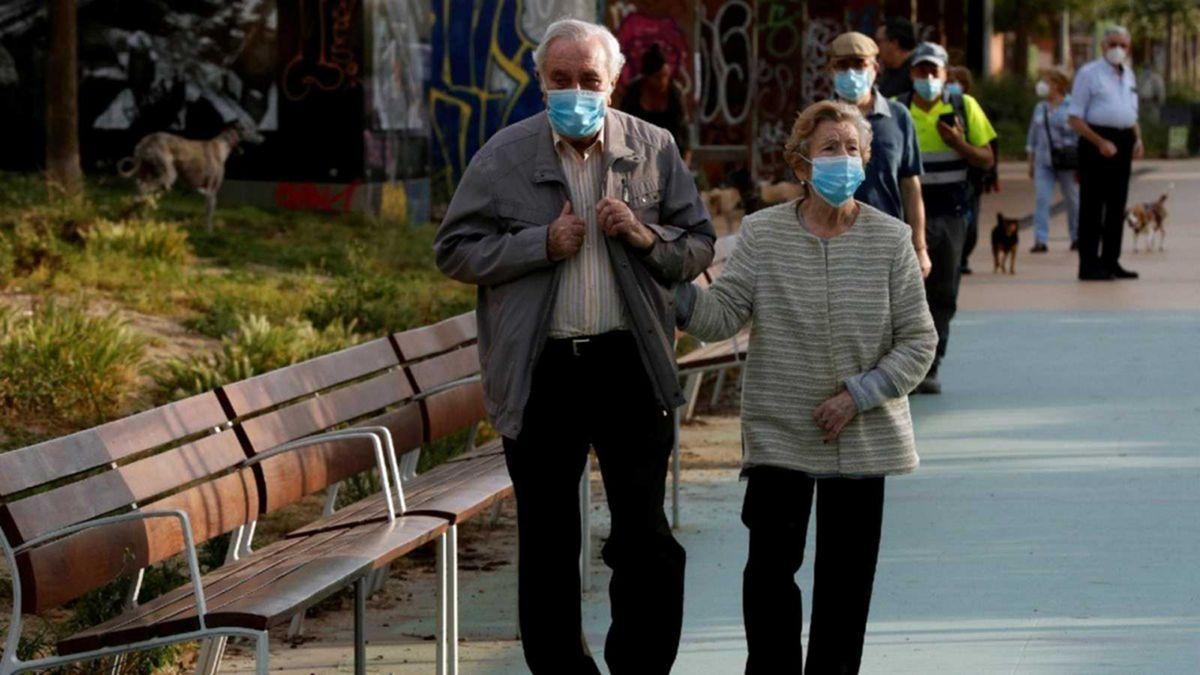 Europa logra reducir los números de la pandemia luego de haber impuesto restricciones.