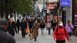 Los últimos resultados en el Reino Unido representan un descenso más pronunciado con respecto al sábado pasado, cuando se habían anotado 26.860 nuevos contagios y 462 defunciones.