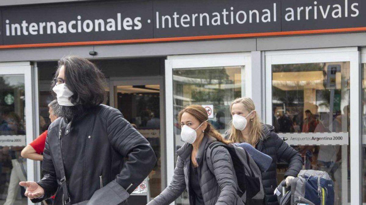 Los argentinos varados en el exterior no serán repatriados y deberán esperar para regresar al país.
