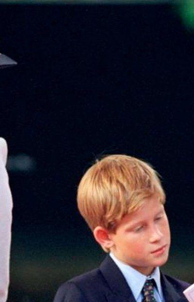 El 31 de agosto de 1997 (día del trágico accidente que le arrebató la vida a LadyDi) ella se comunicó con sus hijos desde París, donde se encontraba en ese momento.