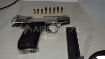 La Policía secuestró dos armas de fuego y detuvo a dos personas