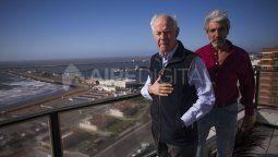 Mar del Plata: Dos soldados, un argentino y un inglés, Geoffrey Cardozo (I) y Julio Aro, que fueron enemigos en la Guerra de Malvinas, serán candidatos al Premio Nobel de la Paz 2021.