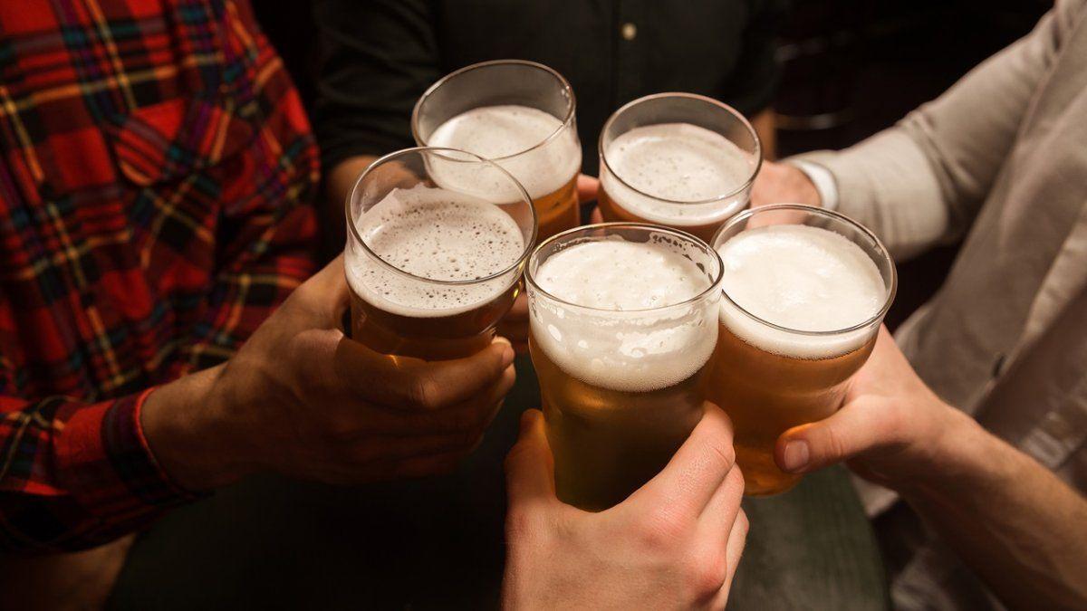 Los bares y restaurantes de Santa Fe solicitaron la extensión horaria para el martes 20 de julio por los festejos del Día del Amigo.