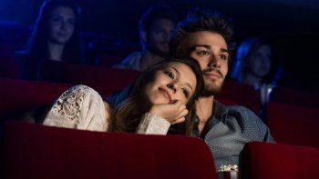 Video viral: mujer descubrió a su marido y a su amante en el cine