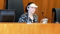 Luego de casi cinco horas, la jueza María Carolina Castagno decidió pasar a un cuarto intermedio para mañana jueves a las 10 de la mañana en el caso que la Cámara de Apelaciones de Paraná titula Etchevehere Leonor VM/ Denuncia.