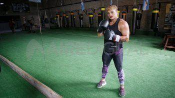 La campeona mundial que empezó a boxear para escapar de la violencia de género