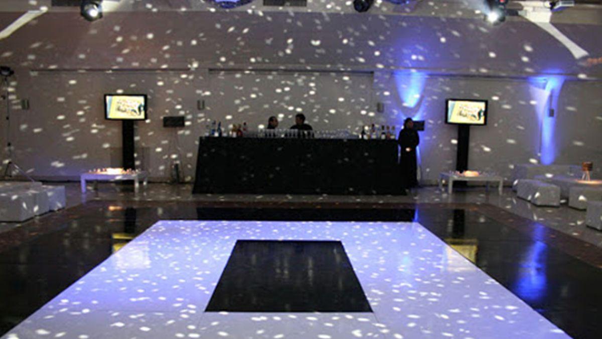 La Provincia habilitó un 50% de aforo en los salones de fiesta.