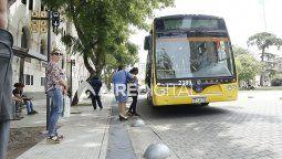 Cuando el miércoles de la semana que viene las partes se reúnan para buscar una solución, el paro del transporte por colectivos en el interior argentino llevará 17 días.