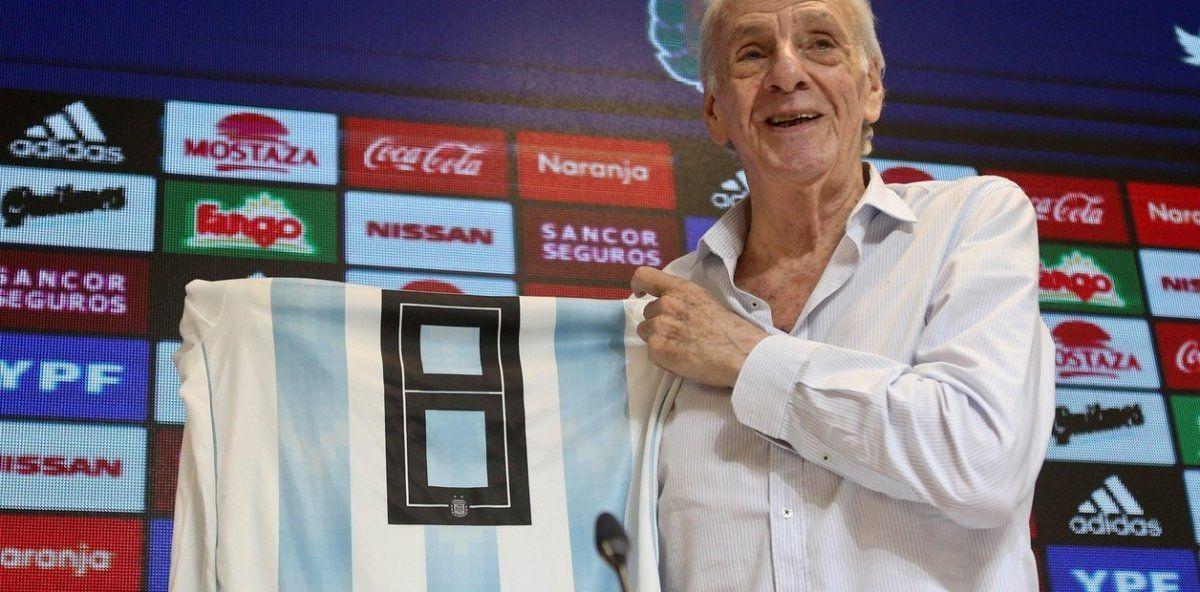César Luis Menotti:  Scaloni está bien acompañado en la selección