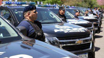 """""""Estamos anunciando que se reinician los procesos de ascensos policiales que se habían parado injustamente en 2017"""", resaltó el ministro de Seguridad, Jorge Lagna."""