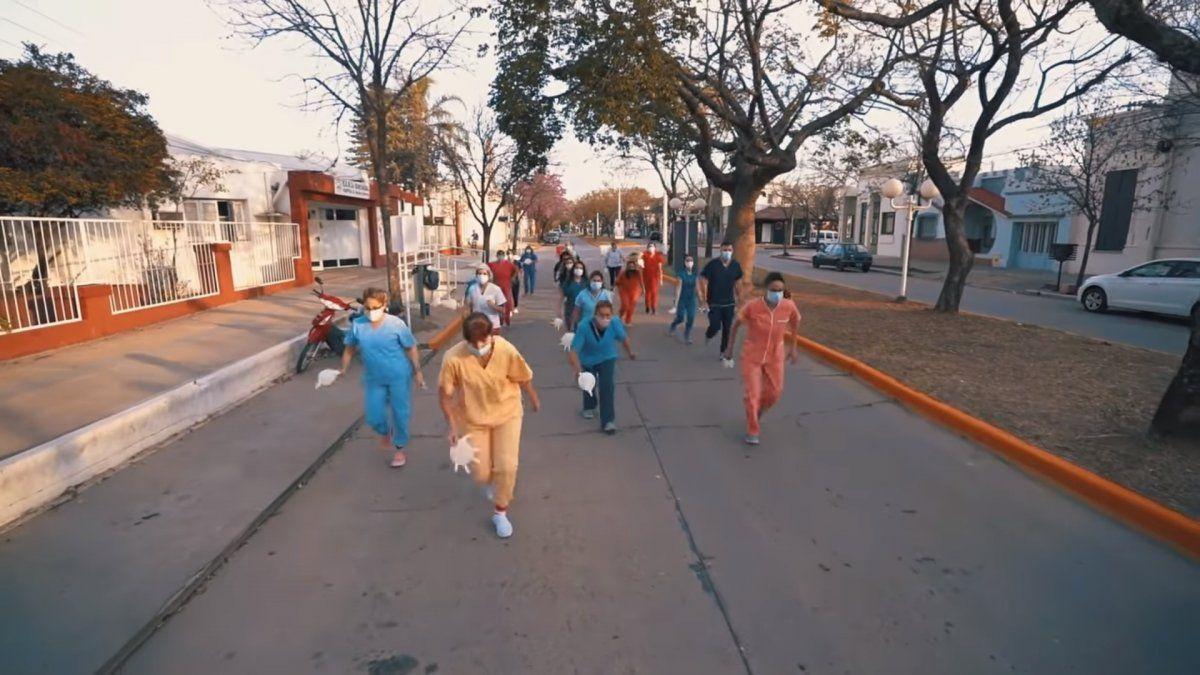 Captura del video: trabajadores y trabajadoras de salud del Hospital Doctor Amílcar Gorosito.