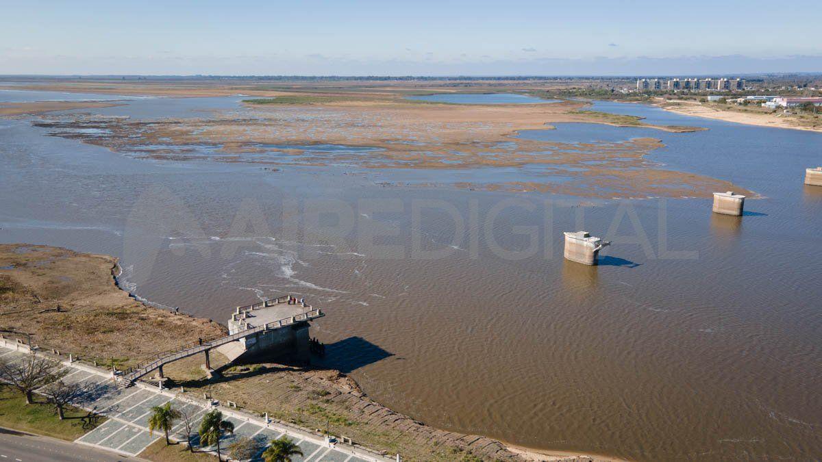 El nivel del río se acerca al cero del hidrómetro en el Puerto de Santa Fe.