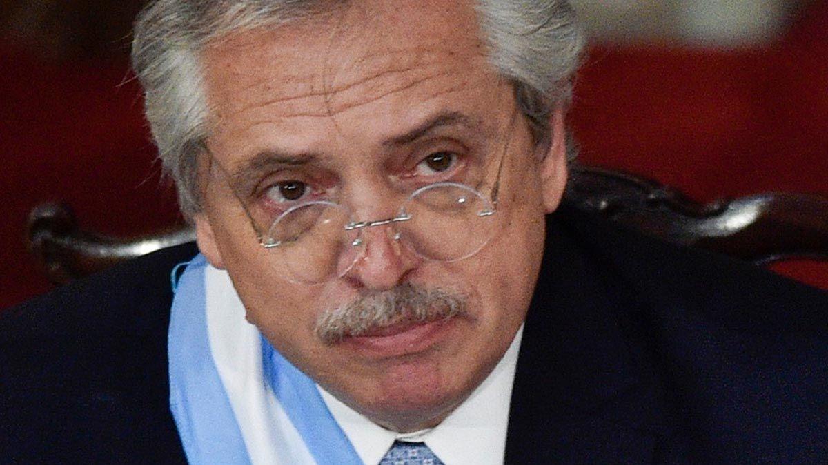 Alberto Fernández inicia la tercera etapa de su gobierno con la economía arrasada