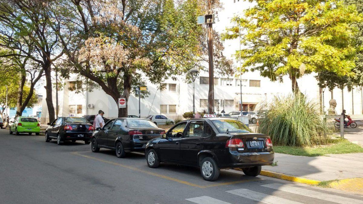 Los primeros taxis que llegaron al Concejo Municipal de Santa Fe