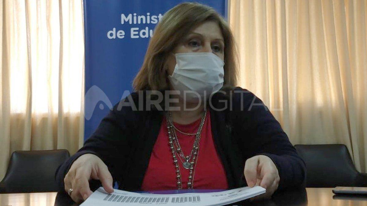 La ministra Cantero aseguró que está todo preparado para que vuelvan las clases presenciales cuando bajen los contagios en las localidades.