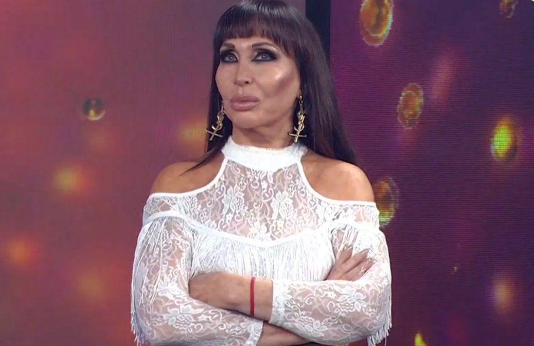 Moria Casán rechazó la invitación para el vacunatorio en el Teatro Colón.