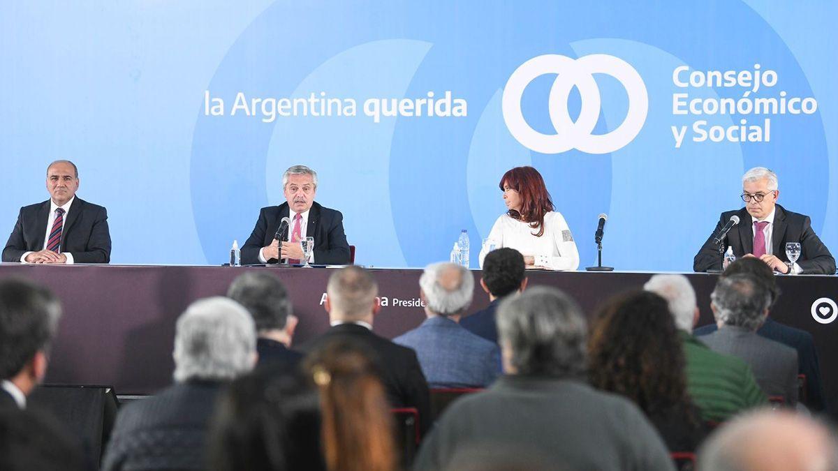 El presidente Alberto Fernández accedió al ultimátum de Cristina Kirchner: abrir el grifo del gasto público para evitar una nueva derrota electoral del oficialismo.