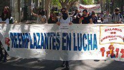 Este martes, los docentes reemplazantes de Santa Fe llevaron a cabo manifestaciones en distintos puntos de la provincia, en rechazo al veto del gobierno a la ayuda económica para el sector.