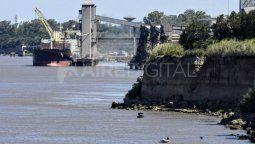 En los puertos del Gran Rosario 162 buques esperaban acceder al tramo que va desde recalada hasta las terminales portuarias ubicadas sobre el río Paraná, informó hoy la Bolsa de Comercio de Rosario (BCR) en base al estado de los barcos publicado por la agencia marítima Nabsa al 28 de diciembre pasado.