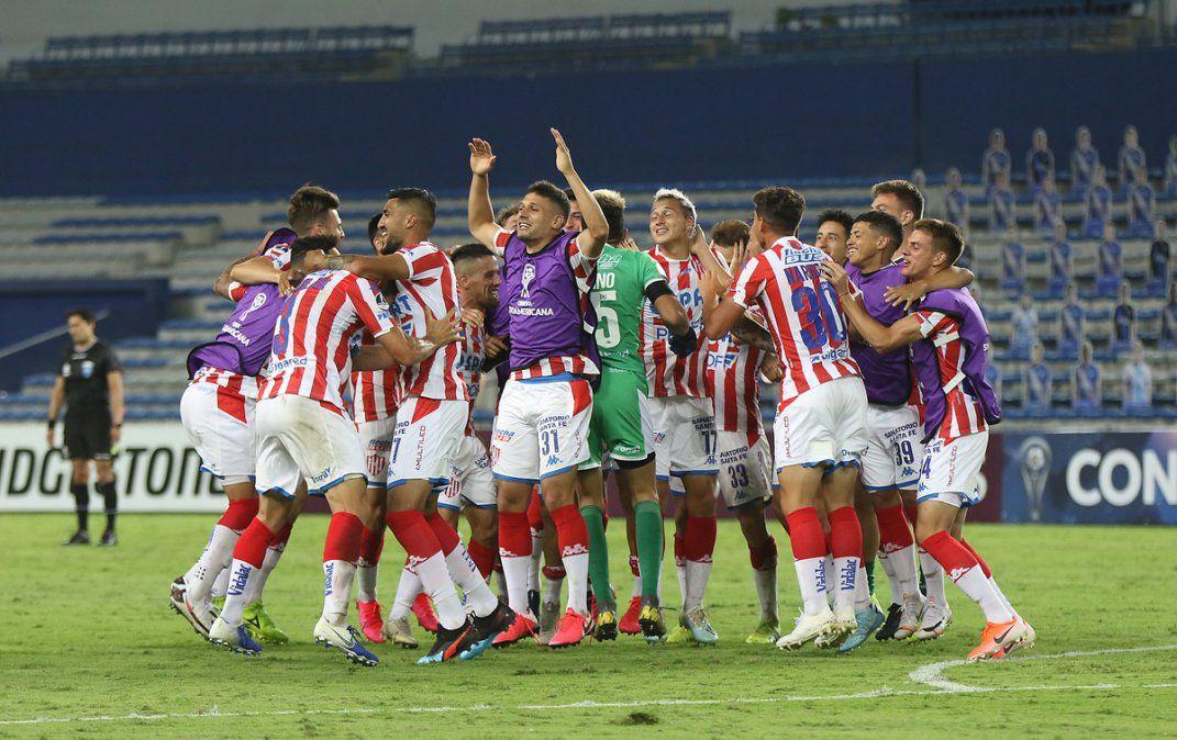 27 futbolistas de Unión vieron actividad en el último semestre tras el arribo de Azconzábal.