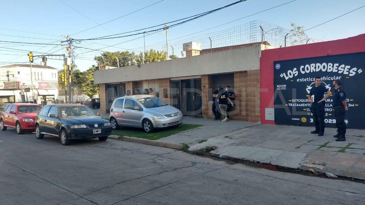El hombre de 35 años fue baleado dentro de una vivienda ubicada en la intersección de calle Regis Martínez y avenida Facundo Zuviría.