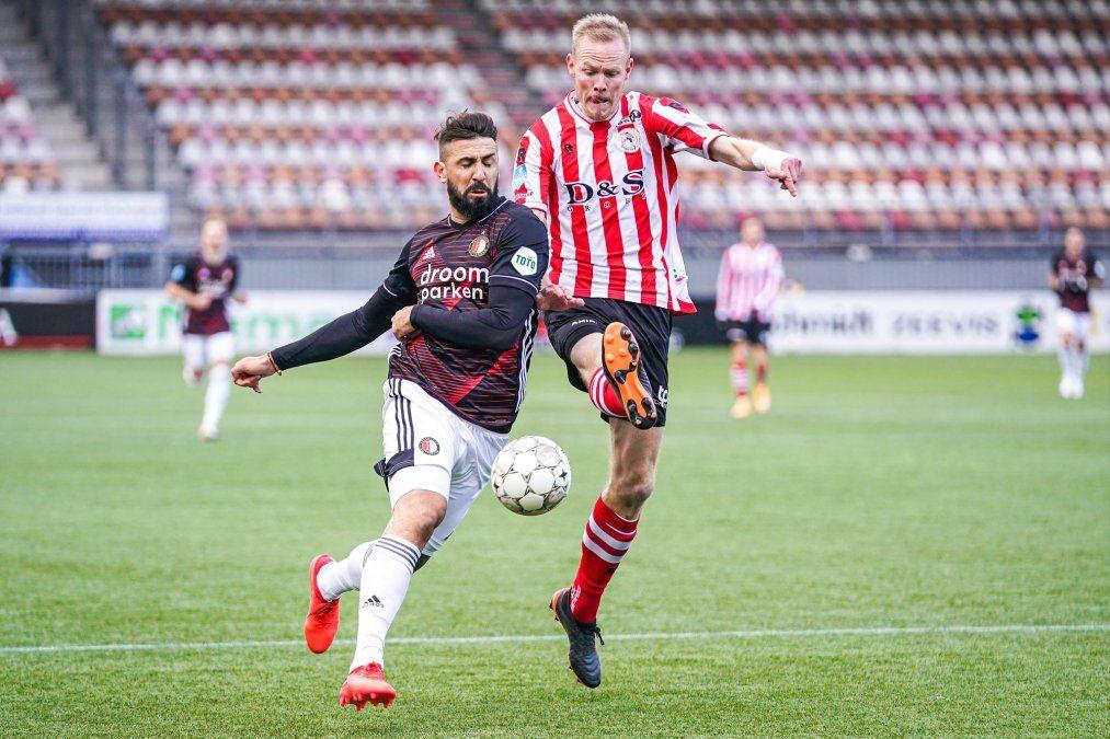 Lucas Pratto hizo su debut en el Feyenoord de Países Bajos tras su salida de River.