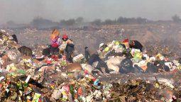 La crisis en el modelo de gestión de residuos que atraviesa la ciudad de Santa Fe desde hace años, agudizada durante la pandemia, favoreció la proliferación en pocos meses de microbasurales.