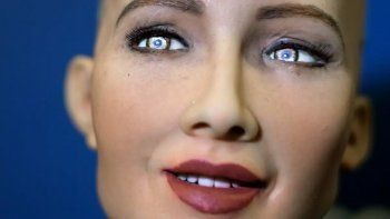 Fabricarían en masa a Sofía, la robot que prometió aniquilar a la humanidad