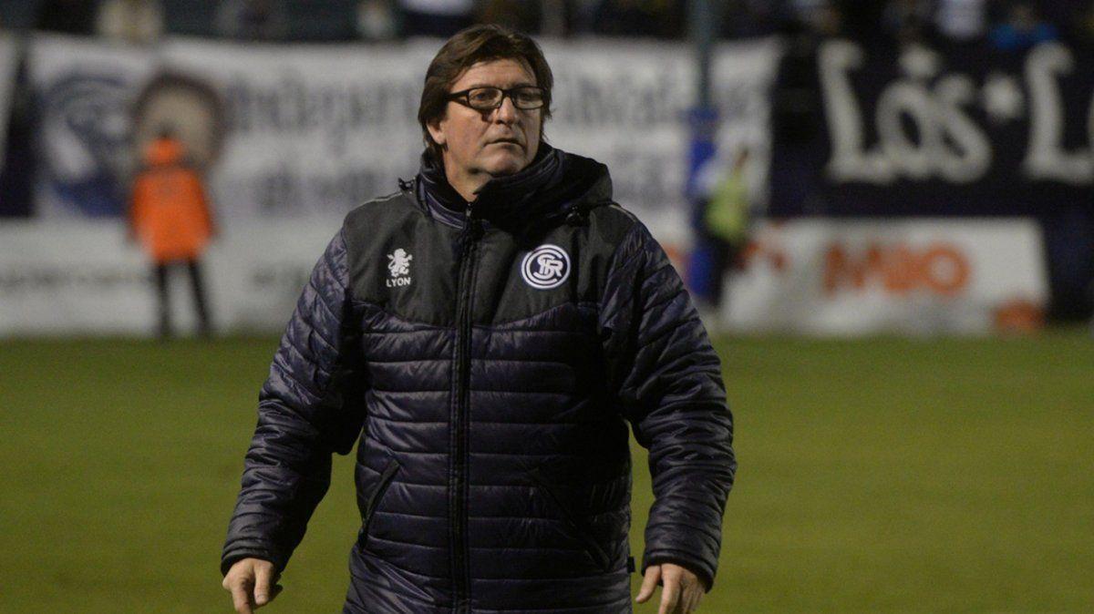 El entrenador de 48 años ya dirigió en varios clubes. Registra en su haber a Argentinos Juniors