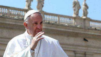 El Papa Francisco aterrizó en Roma de regreso de su gira por Budapest y Eslovaquia