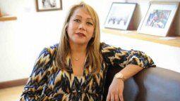 Claudia es presidenta de la ONG Otrans Argentina, cuya creación y organización analizó en la tesis titulada Identidades golondrinas desde una epistemología del despojo: las charapas.