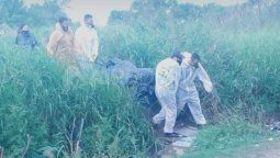 Este sábado por la noche, en una vivienda de Arenales y Bieler Has en barrio Las Vegas de Santo Tomé se encontró en cuerpo sin vida de una persona. Según las primeras informaciones policiales, el cuerpo hallado estaba atado a un árbol.