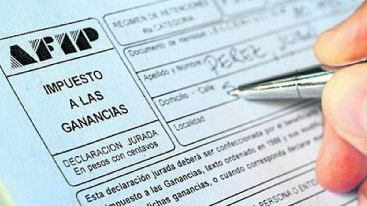 Las claves del proyecto oficial que sube el piso de Ganancias para sueldos mayores a $150.000