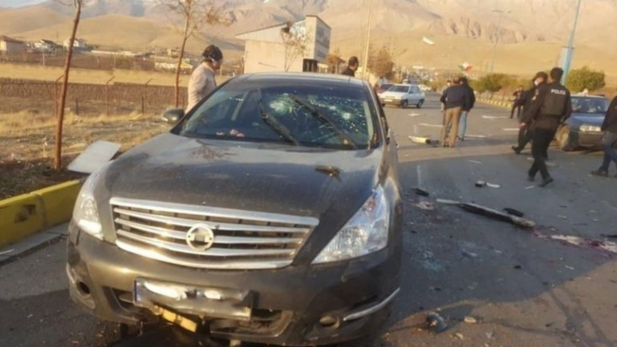 Mohsen Fakhrizadeh fue atacado en su automóvil con explosivos y disparos