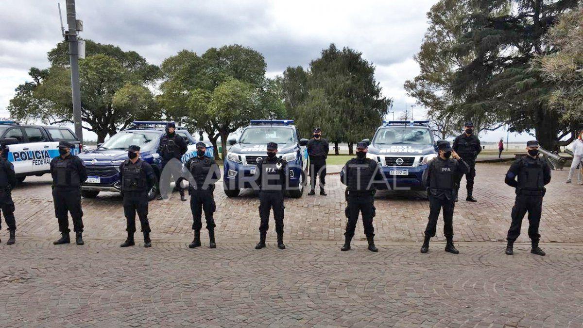 Un total de 11 personas fueron detenidas en dos barrios de la ciudad santafesina de Rosario en el marco de la investigación del crimen de un joven cometido el mes pasado y de bandas dedicadas al narcotráfico.