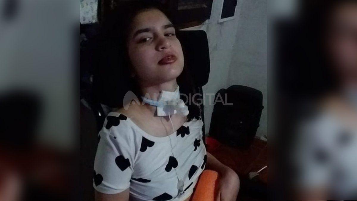 Ayelén tiene 15 años y padece una parálisis cerebral espástica adquirida por hipoxia