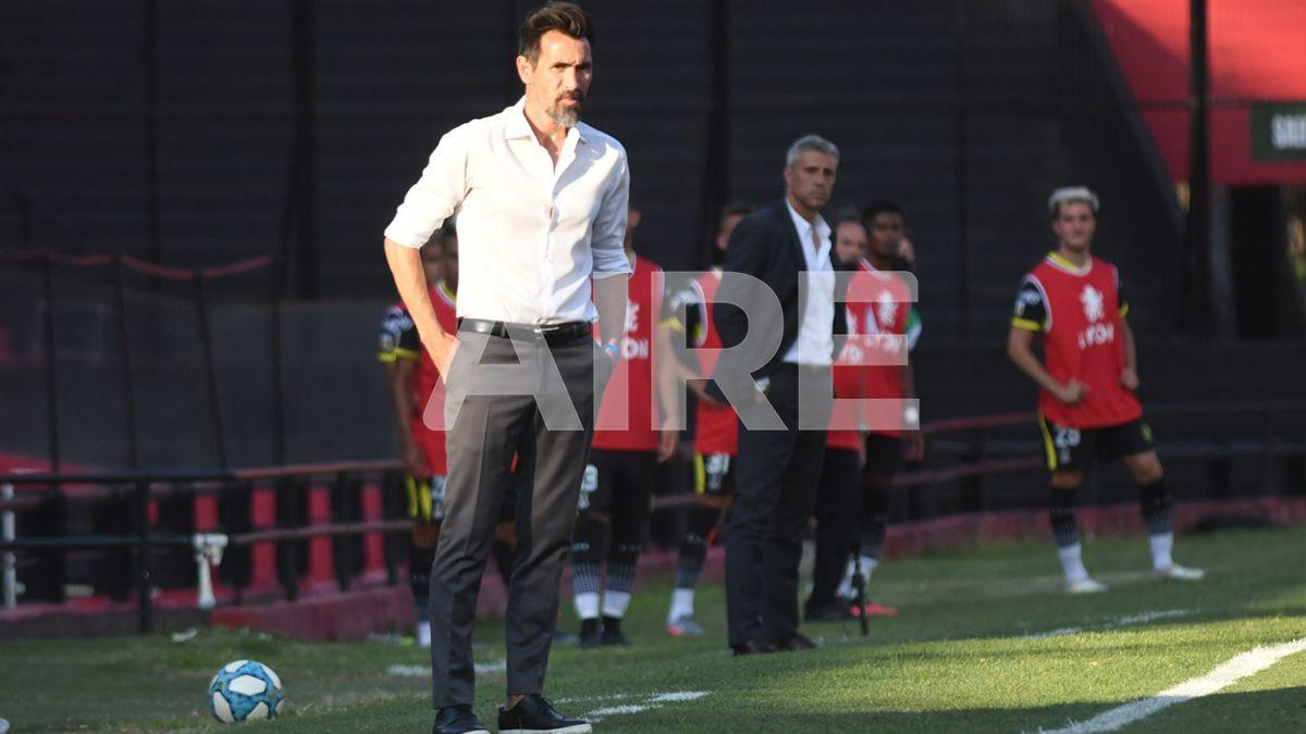 Colón venció 3-0 a Banfield y Eduardo Domínguez destacó la actuación de su equipo.